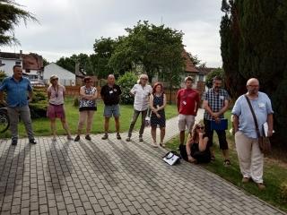 Hodnotící komise soutěže Vesnice roku při návštěvě v Branicích